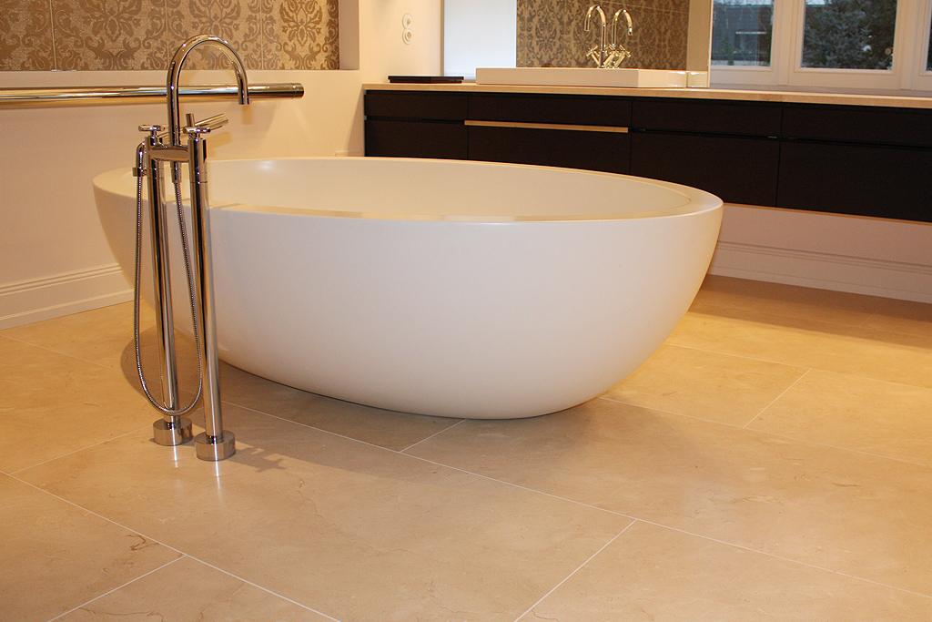 Naturstein Boden Badezimmer