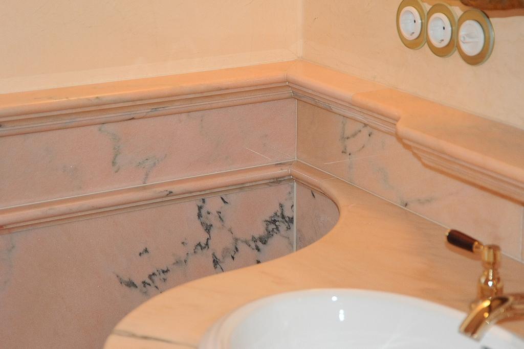 naturstein wand bad - Natursteinwand Badezimmer